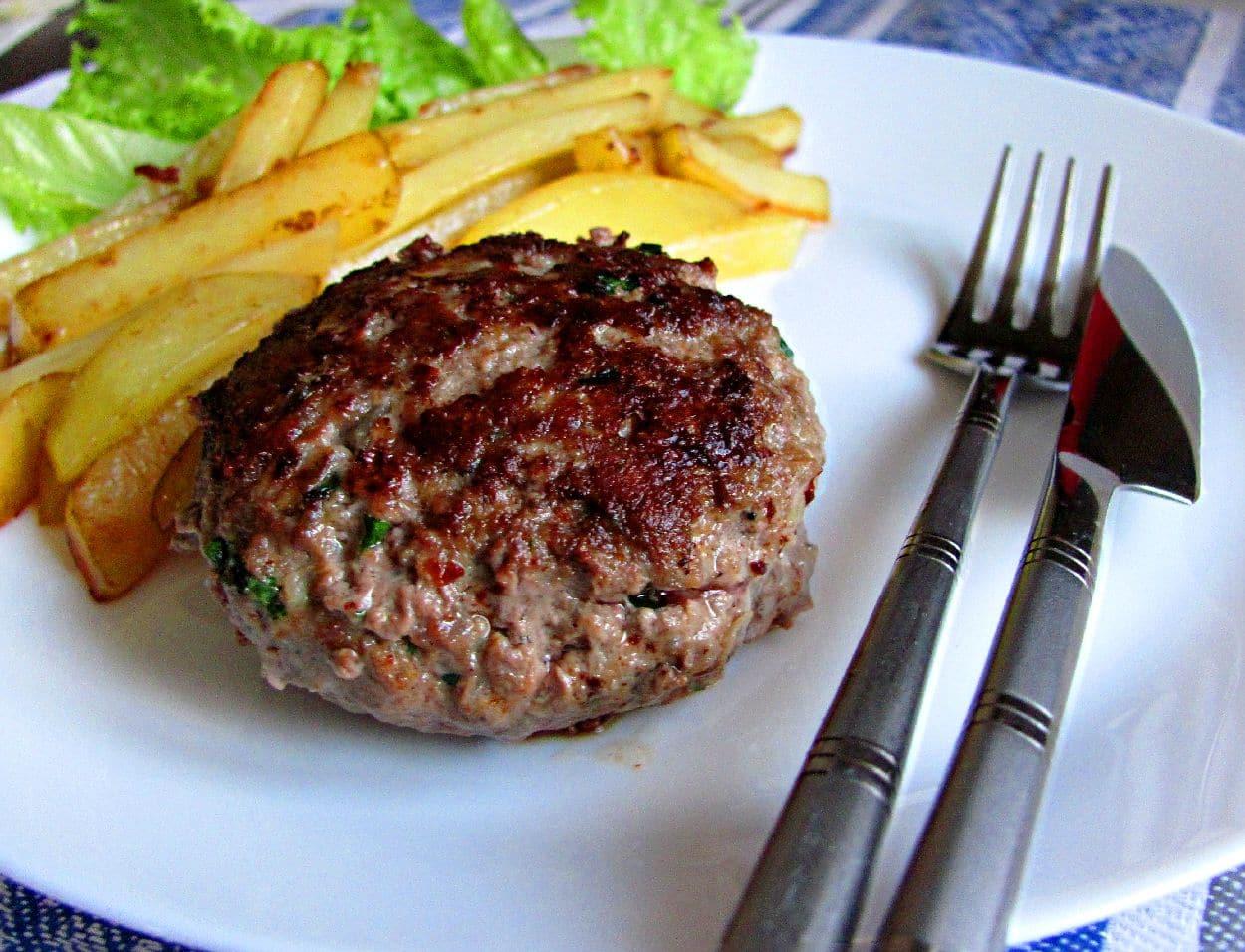 Рубленый бифштекс из фарша говядины