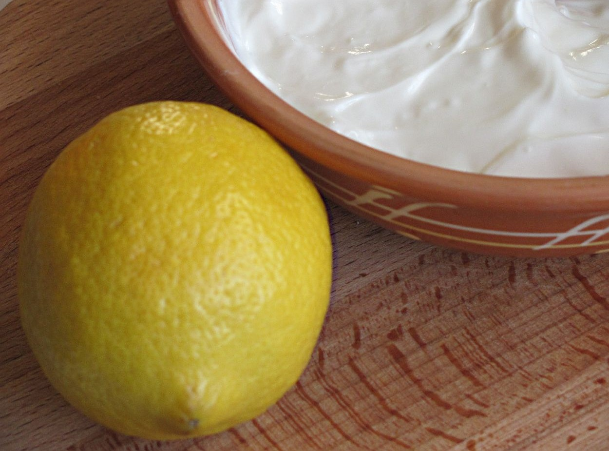 Маска для лица: сметана и лимон