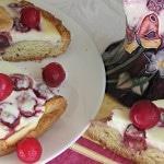 Сладкий пирог с творогом и вишней