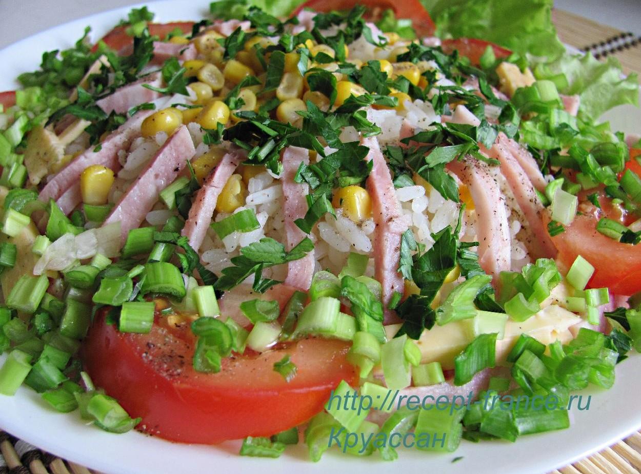Салат из ветчины с кукурузой и рисом