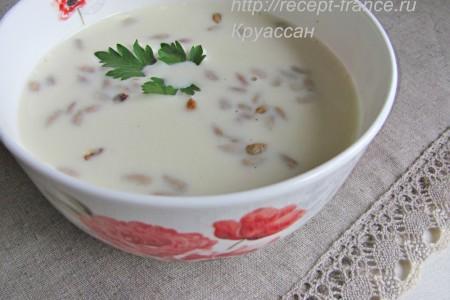 Суп-пюре из картофеля с жареными семечками