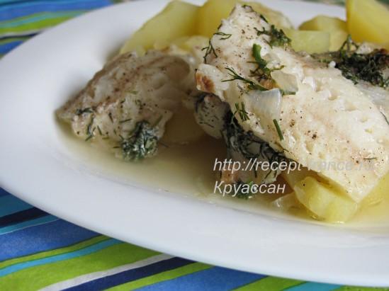 Рыба, тушёнаяс овощами в духовке