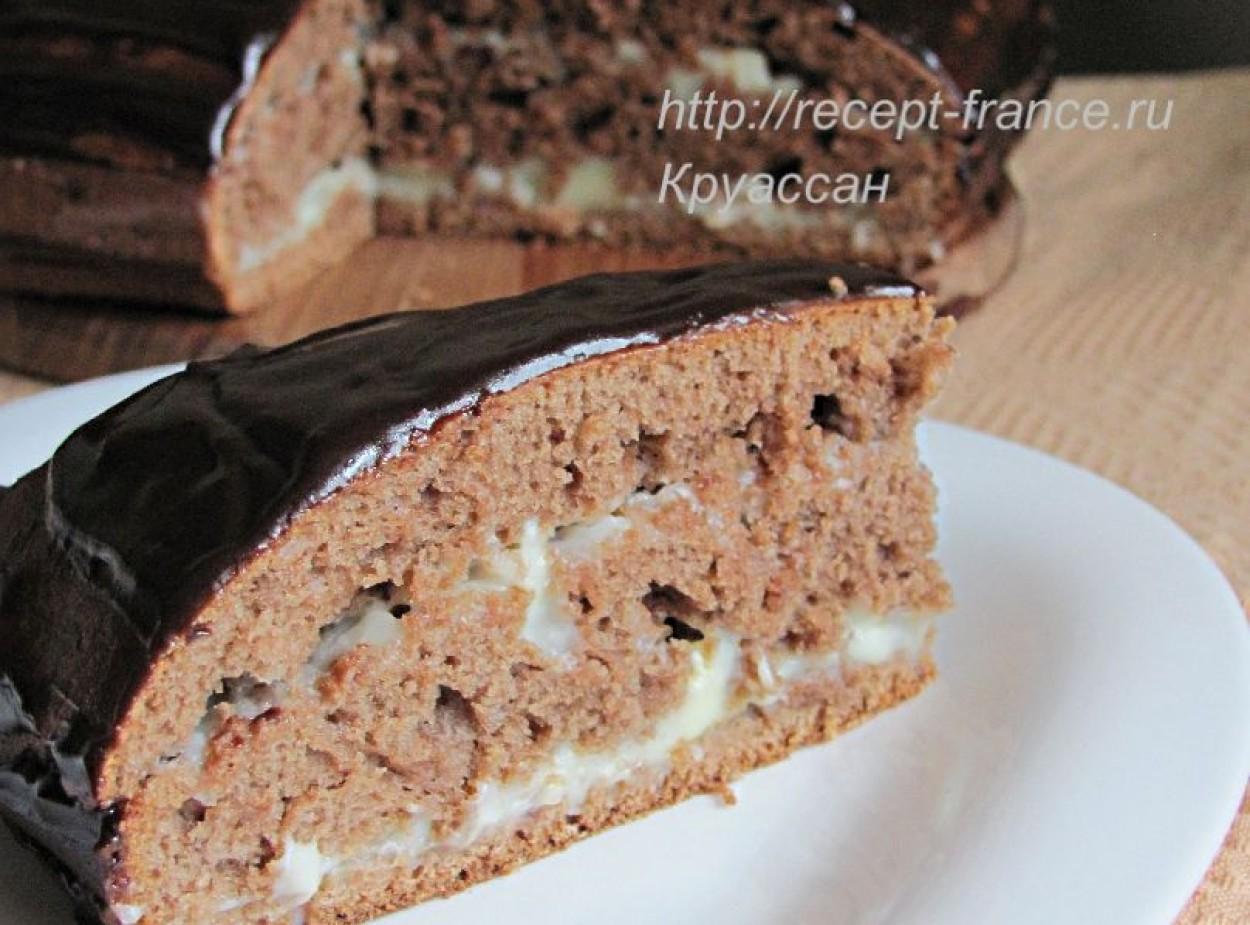 Шоколадный пирог с кремом патисьер