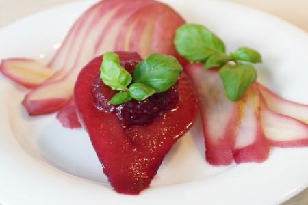 Груши в вине: изысканный десерт для взрослых