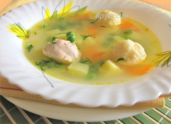 Куриный суп с сырными клецками