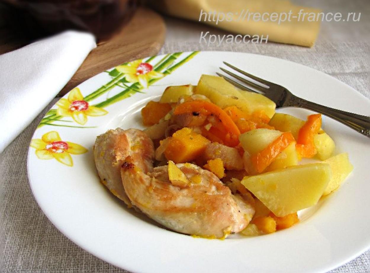 Курица с тыквой и айвой в духовке