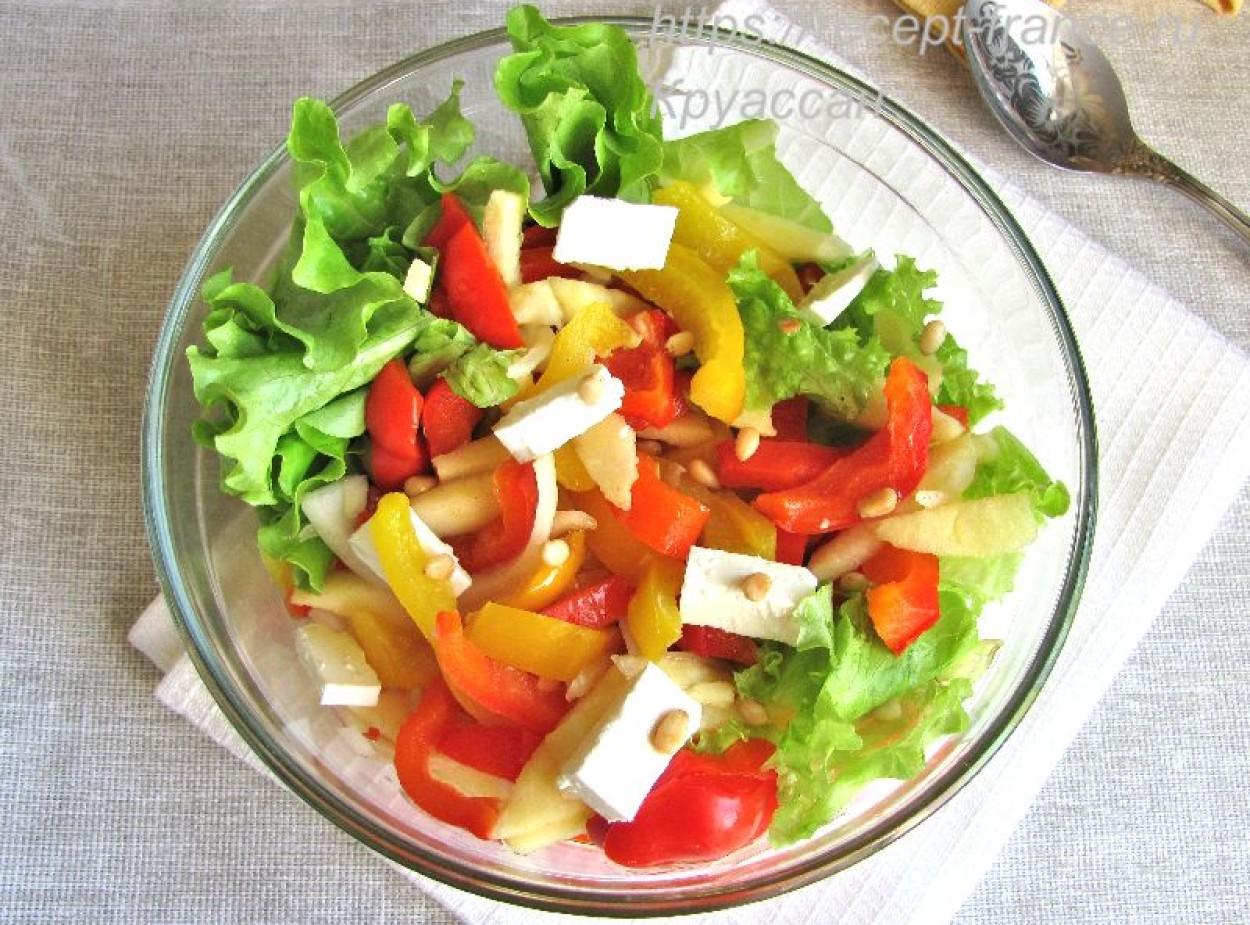 Салат из сладкого перца с яблоком