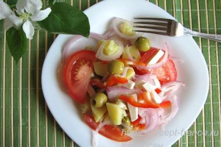 Картофельный салат с оливками и сыром фета