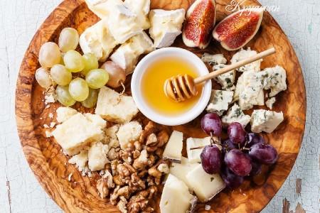 Сырная тарелка: состав, оформление, как подавать и есть