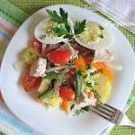 Салат с курицей и картофелем