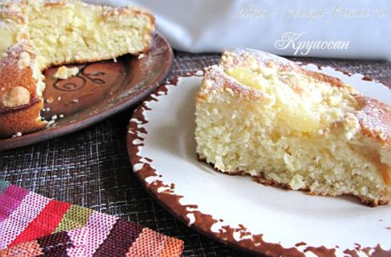 Пирог с консервированными ананасами – простой и вкусный рецепт