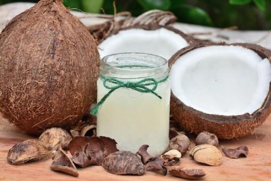 Кокосовое масло: как использовать, польза и вред