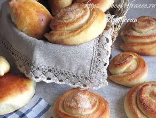 Сладкие сдобные булочки из дрожжевого теста