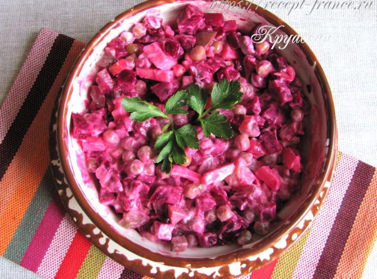 Салат из вареной свеклы и сыра