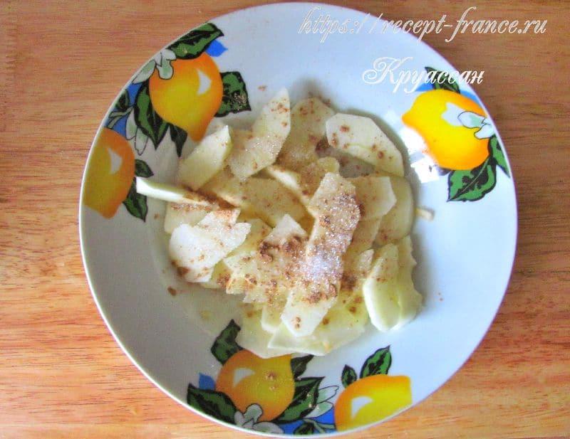 оладьи с яблочным припеком - приготовление