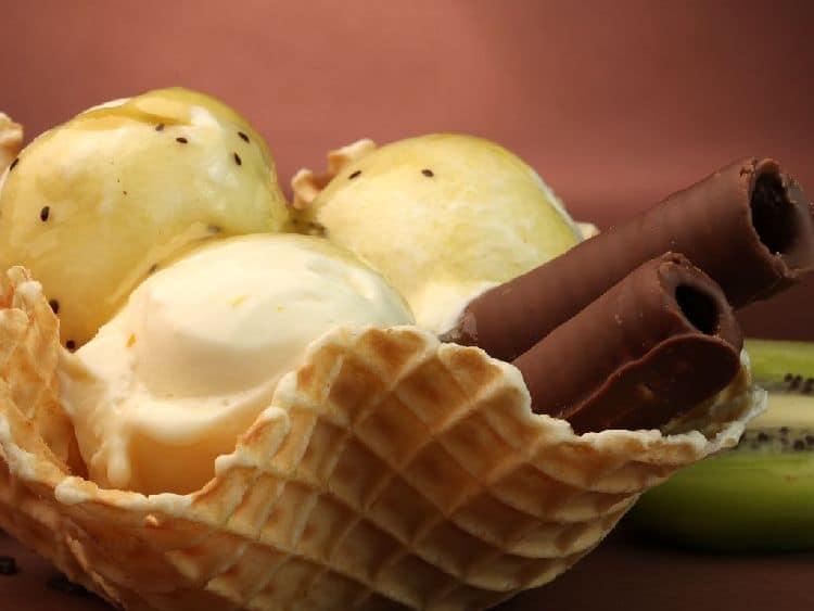 оригинальная подача мороженогоl
