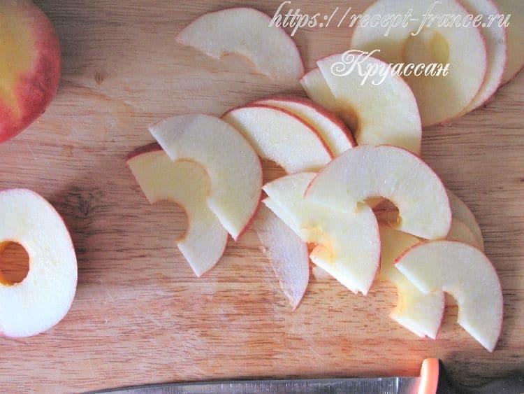 слойки с яблоками розочки - приготовление