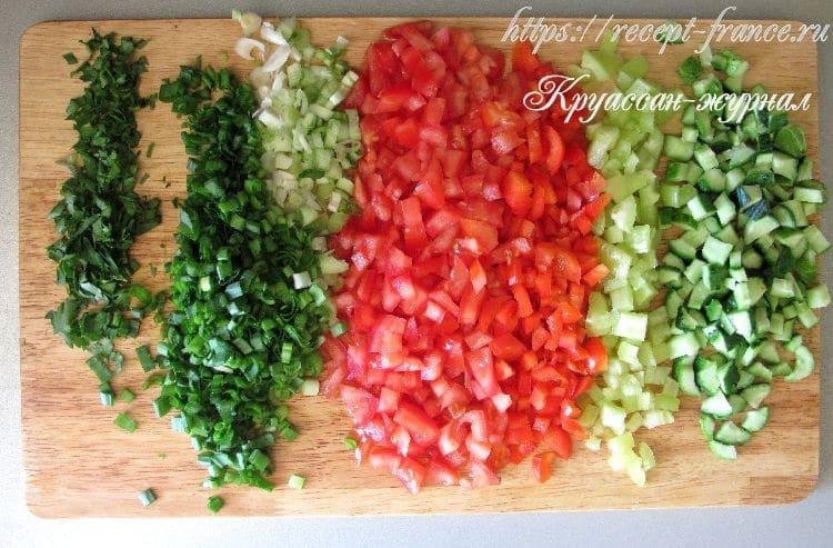 салат из овощей с лимоном-приготовление