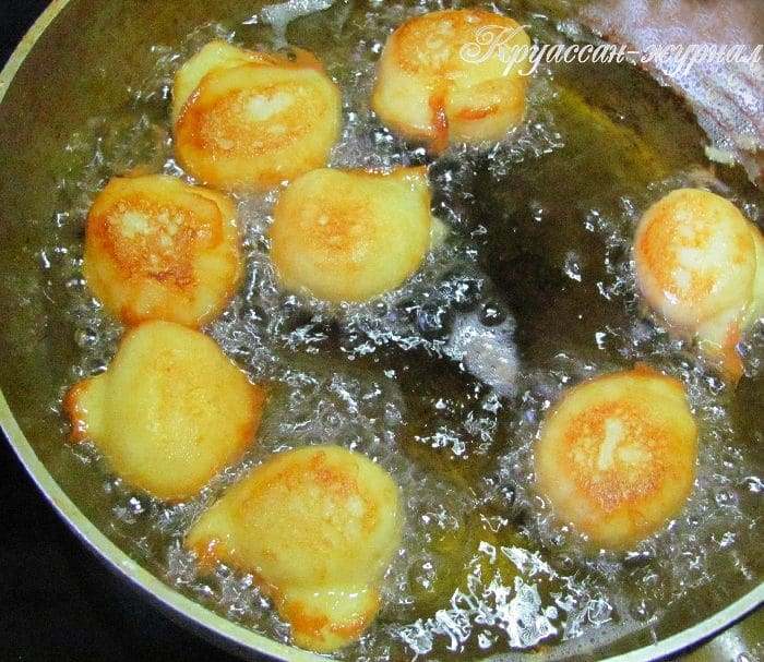 заварные пончики с рикоттой-приготовление