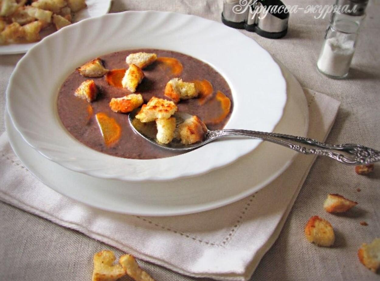 Суп-пюре из красной фасоли