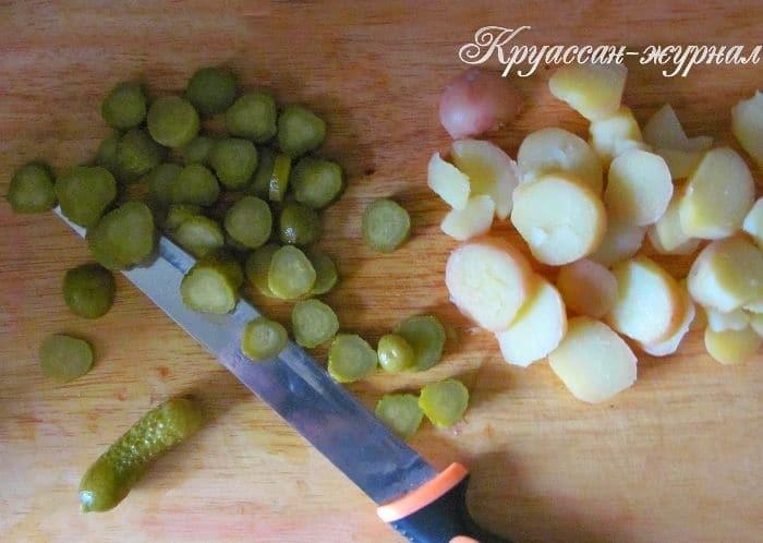 салат с картофелем и тунцом, приготовление