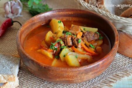Суп-гуляш из говядины с картофелем