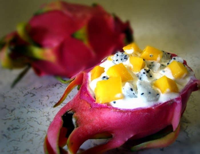 десерт из питахайи и манго