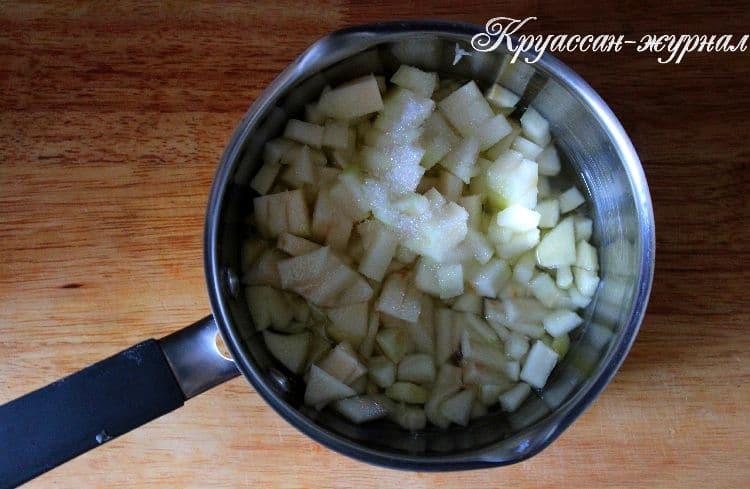 блинчики с яблоком-приготовление