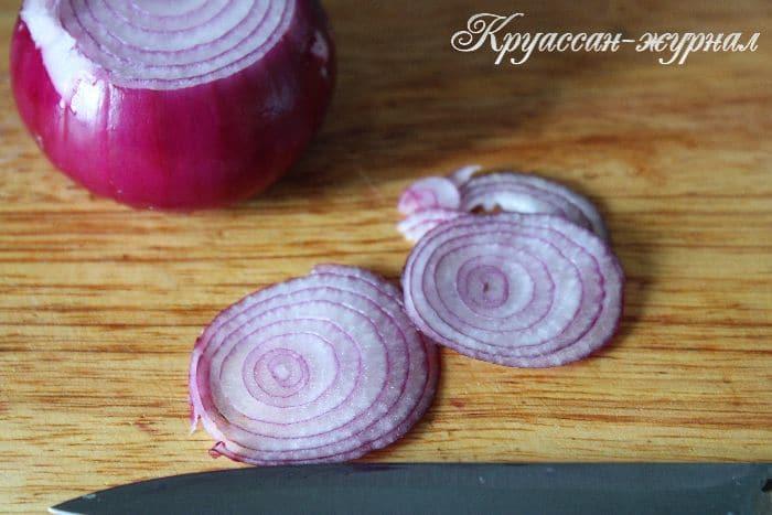 салат из свежих огурцов с кукурузой, приготовление
