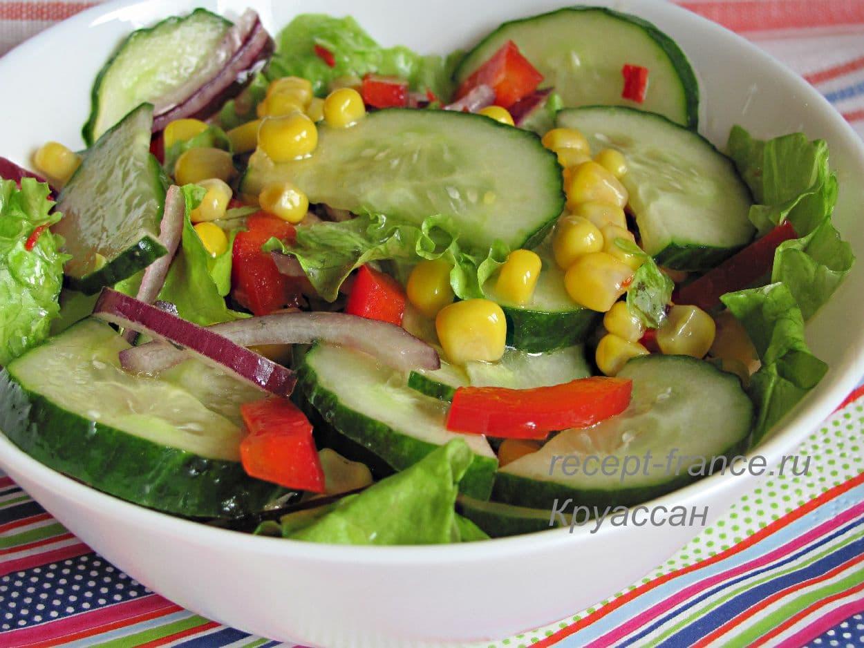 salat iz ogurcov_ bolgarskogo perca i kukuruzi