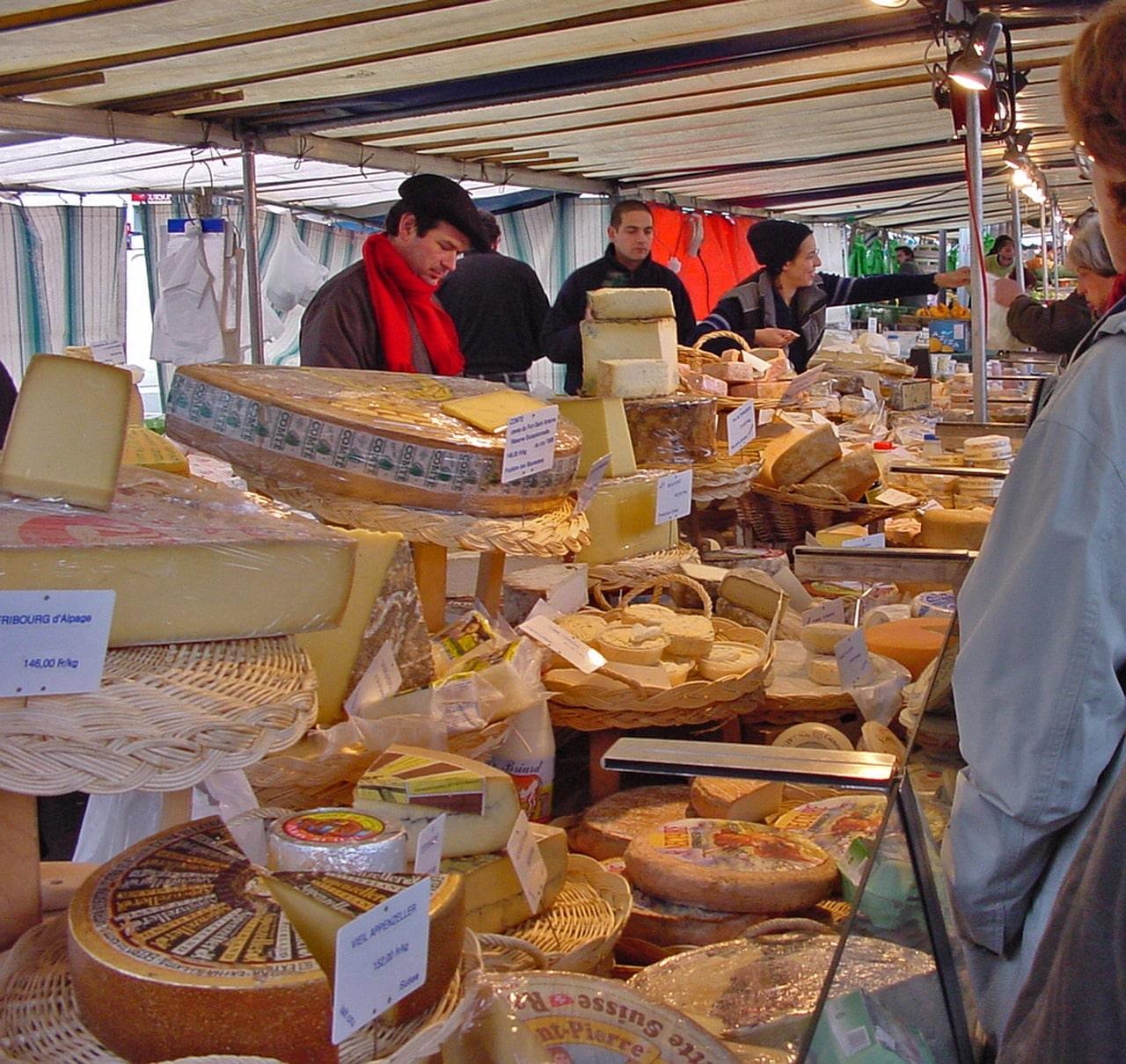 Рынок сыра в Париже