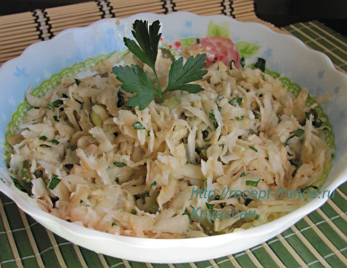 salat iz kornya seldereya
