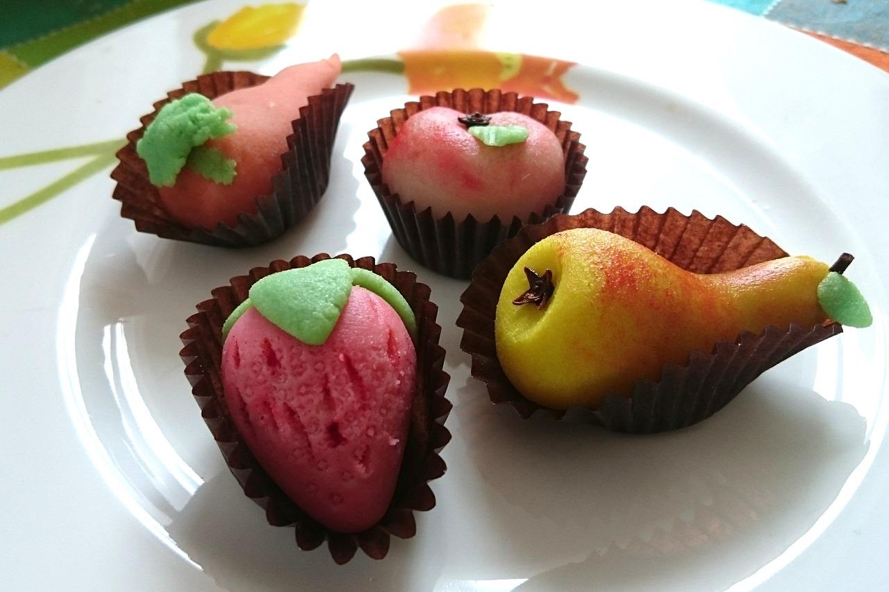 марципан фрукты